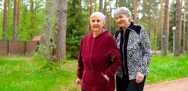 Помощь пожилым людям на дому информация